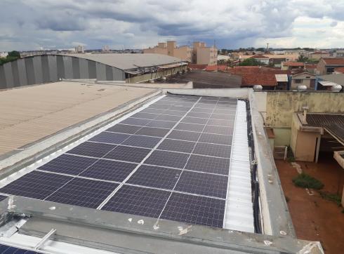 Central fotovoltaica da Escola Amarelinha em Ribeirão Preto – SP